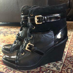 MK sneaker wedge